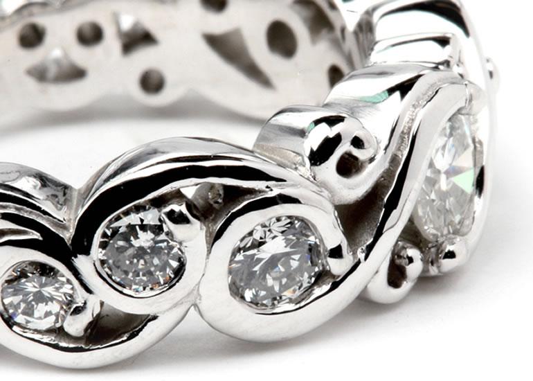 We Buy Platinum Jewellery